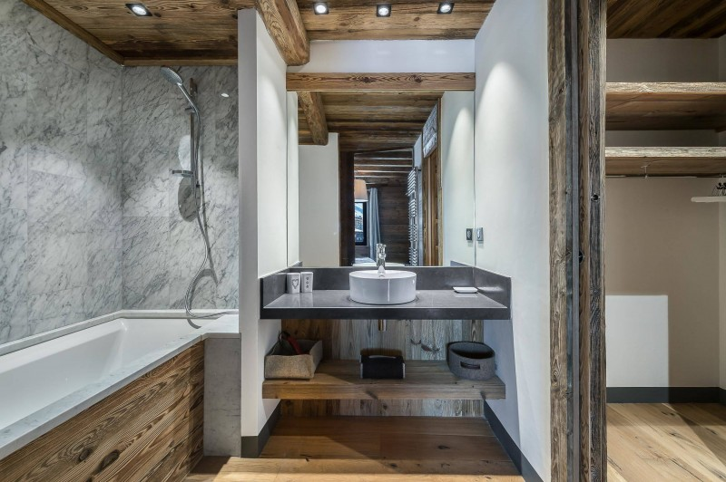 Val d'Isère Luxury Rental Appartment Ucelite Bathroom 3