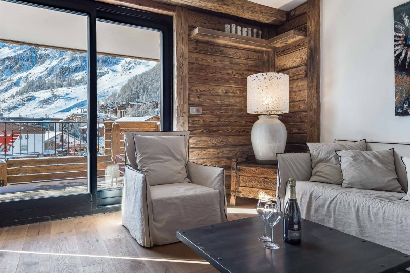 Val d'Isère Luxury Rental Appartment Ucelite Living Area 2