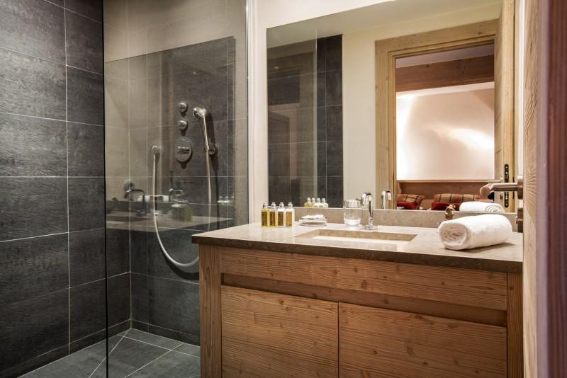 Val d'Isère Luxury Rental Apartment Vadakite Bathroom