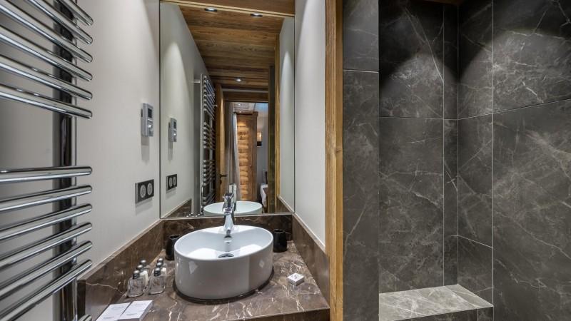 Val d'Isère Location Appartement Luxe Varmate Douche
