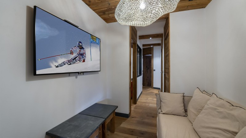 val-d-isere-location-appartement-luxe-salon