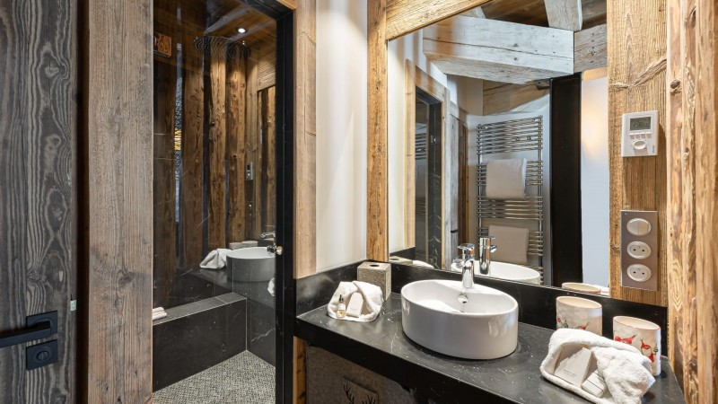 Val d'Isère Location Appartement Luxe Varvite Douche