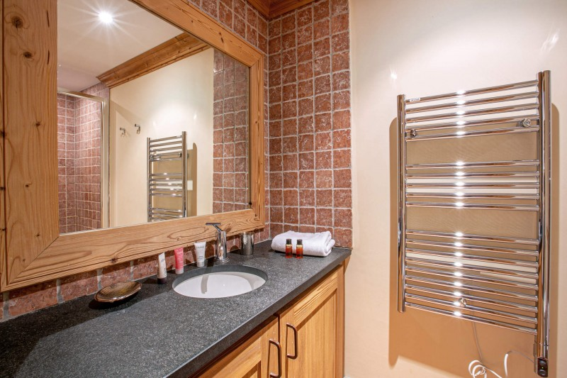 Val d'Isère Luxury Rental Apartment Vatalis Bathroom