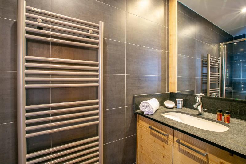 Val d'Isère Luxury Rental Apartment Vatelis Bathroom 2