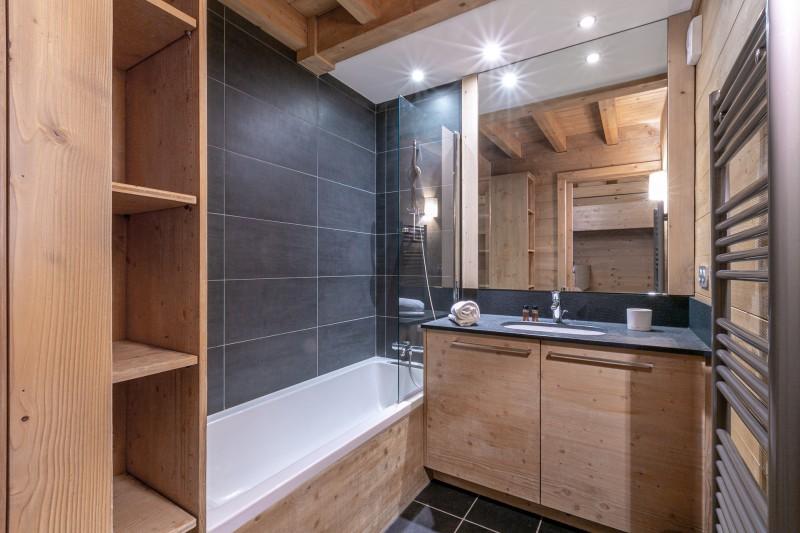 Val d'Isère Luxury Rental Apartment Vatelis Bathroom 3