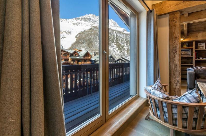 Val d'Isère Location Appartement Luxe Vatolis Balcon