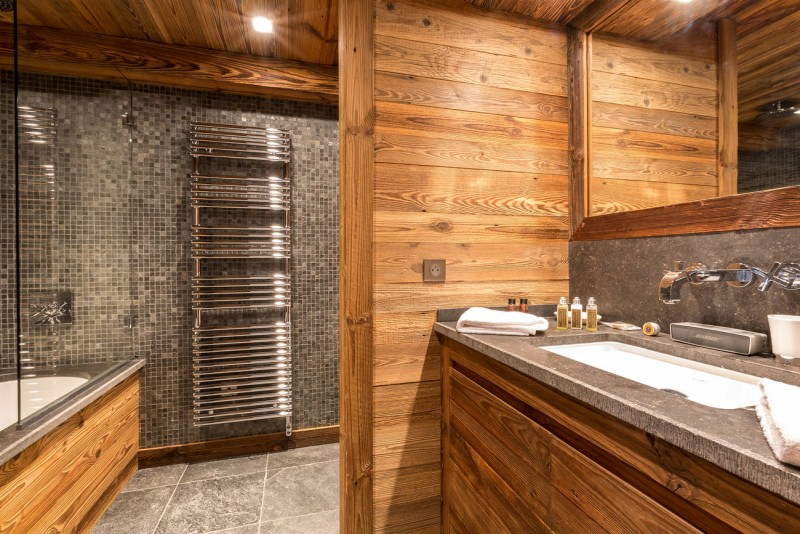 Val d'Isère Location Appartement Luxe Vatolis Salle De Bain