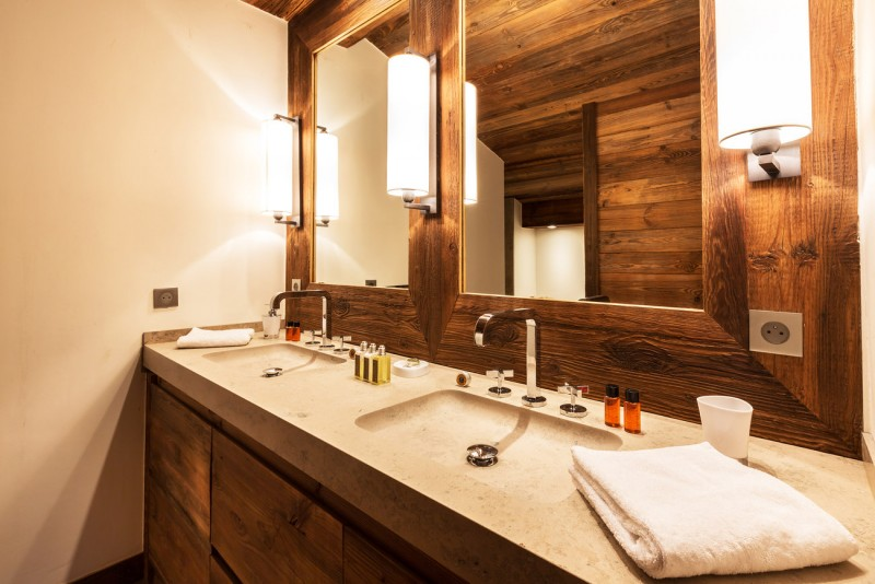 Val d'Isère Location Appartement Luxe Vatolis Salle De Bain 3