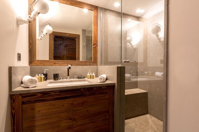 Val d'Isère Location Appartement Luxe Vatolis Salle De Bain 4