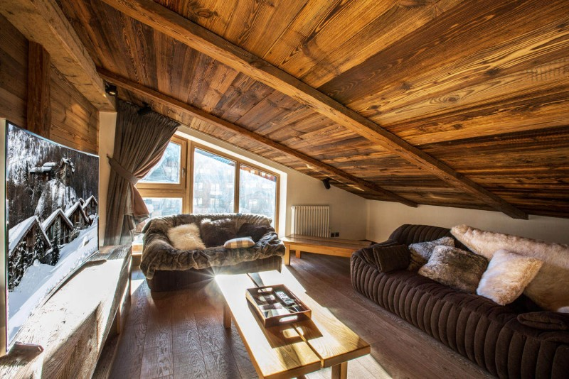 Val d'Isère Location Appartement Luxe Vatolis Tv 2