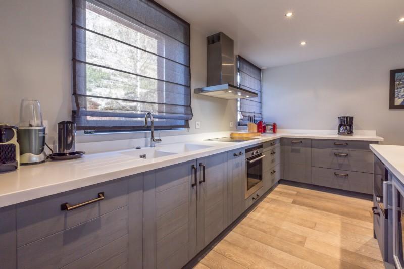 Val d'Isère Luxury Rental Apartment Vaxite Kitchen