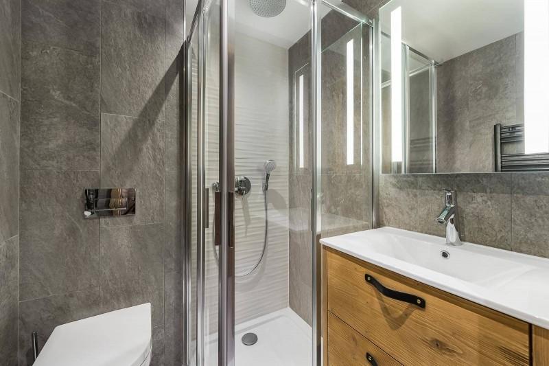 Val d'Isère Location Appartement Luxe Virlite Salle De Bain 2