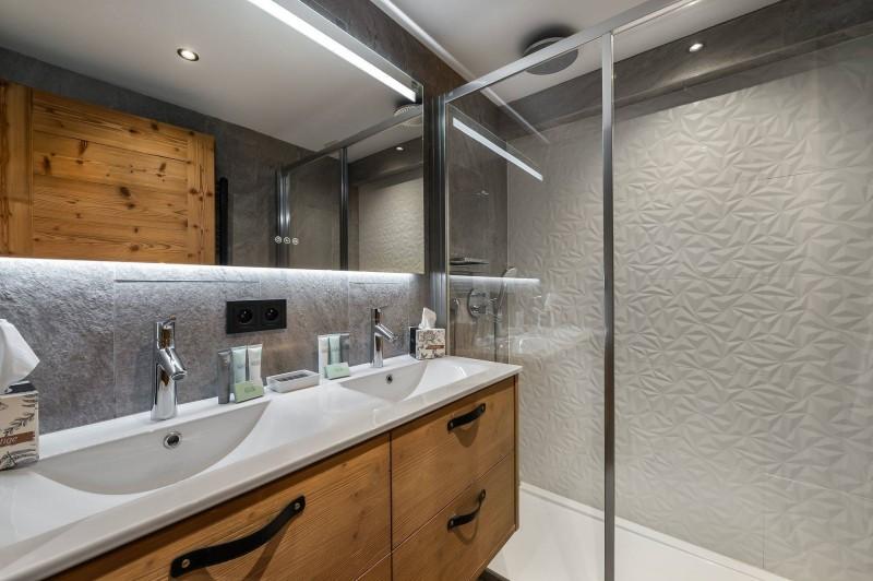 Val d'Isère Luxury Rental Appartment Virlonte Bathroom