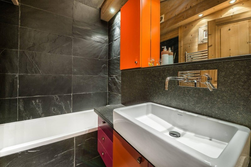 Val d'Isère Location Appartement Luxe Vitoli Salle De Bain