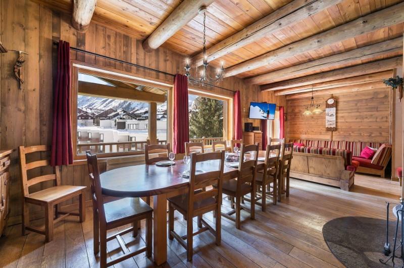 Val d'Isère Luxury Rental Chalet Jaden Dining Area