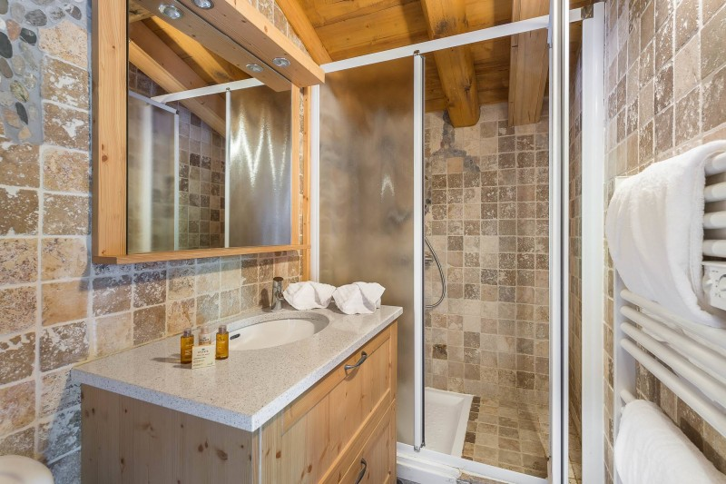 Val d'Isère Luxury Rental Chalet Jaden Bathroom 5
