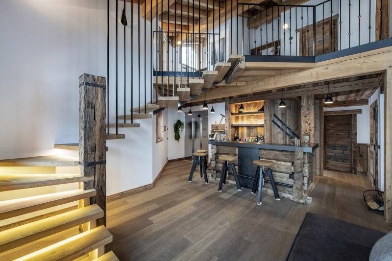 Val D'Isère Luxury Rental Chalet Umbate Bar  2