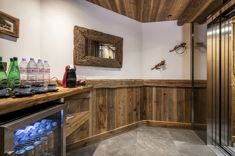 Val D'Isère Luxury Rental Chalet Umbate Bar