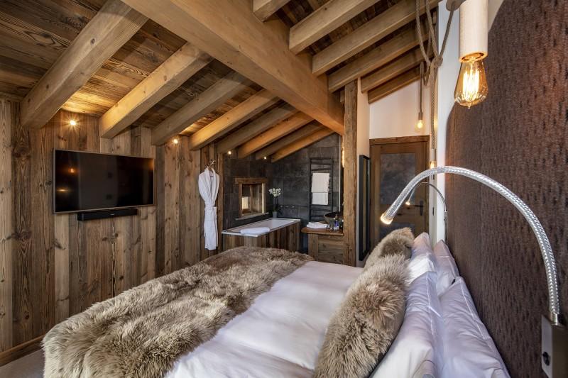 Val D'Isère Luxury Rental Chalet Umbate Bedroom 2