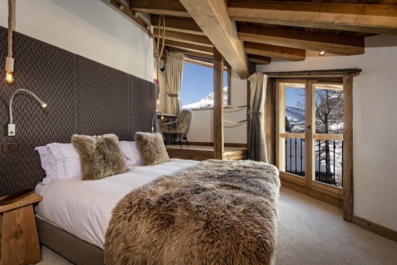 Val D'Isère Luxury Rental Chalet Umbate Bedroom