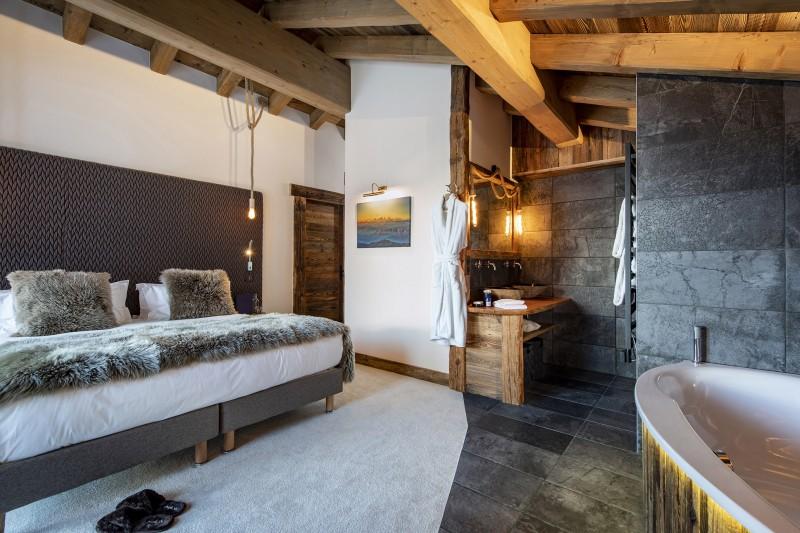 Val D'Isère Luxury Rental Chalet Umbate Ensuite Bedroom 2