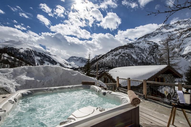 Val D'Isère Luxury Rental Chalet Umbate Jacuzzi 2
