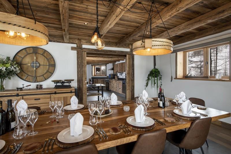 Val D'Isère Luxury Rental Chalet Umbate Dining Room