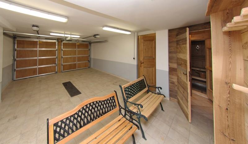 Val d'Isère Location Chalet Luxe Vabanite Garage