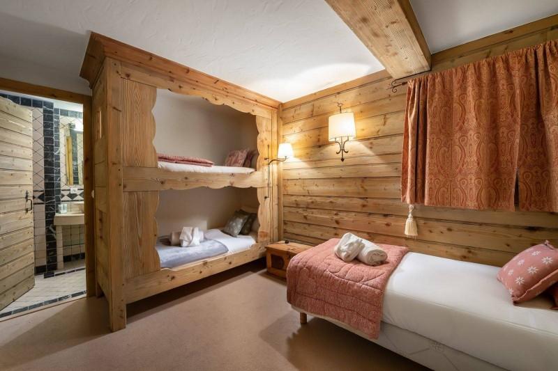 Val d'Isère Luxury Rental Chalet Vabodia Bedroom