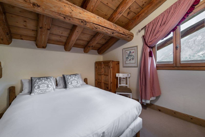Val d'Isère Luxury Rental Chalet Vabodia Bedroom 6