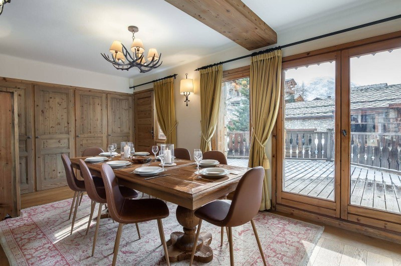 Val d'Isère Location Chalet Luxe Vabodia Salle A Manger
