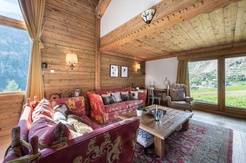 Val d'Isère Luxury Rental Chalet Vabodia Living Area 2