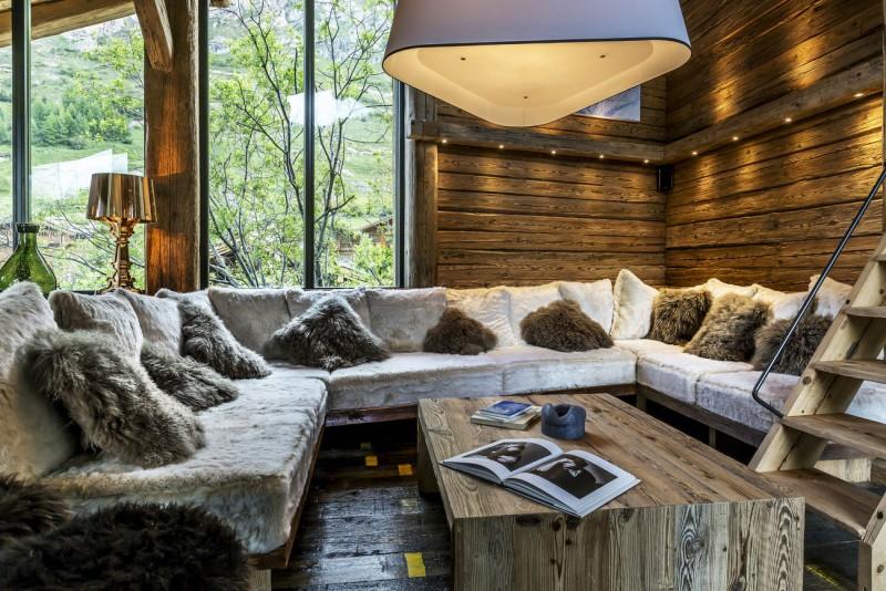 Val d'Isère Luxury Rental Chalet Vasel Living Area