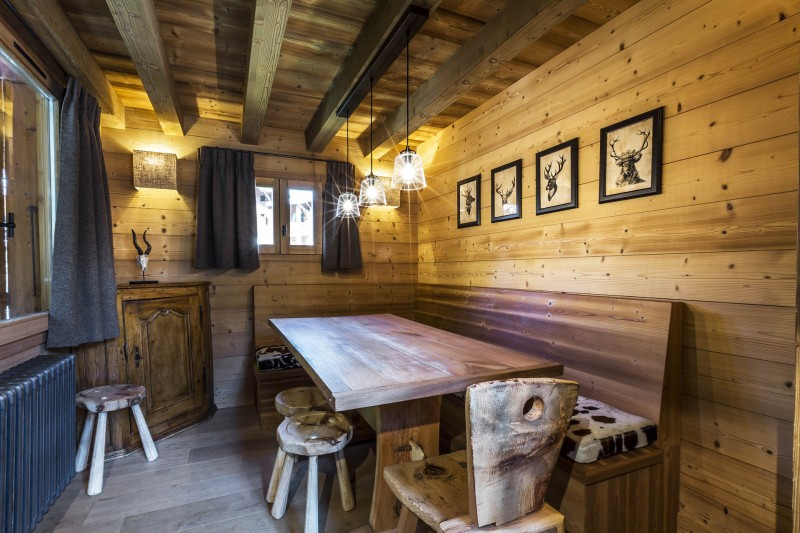 Val d'Isère Location Chalet Luxe Vauxate Salle A Manger