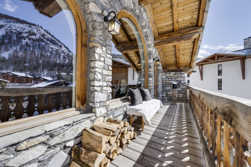 Val D'Isère Luxury Rental Chalet Vonsanite  Living Room Balcony 3