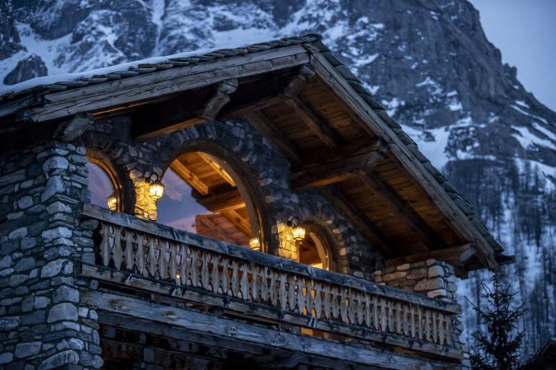 Val D'Isère Luxury Rental Chalet Vonsanite Chalet 2