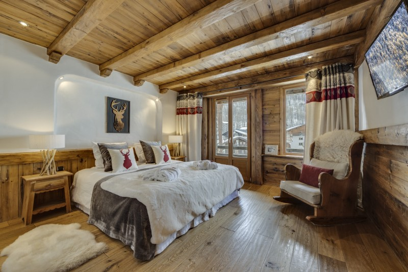 Val D'Isère Luxury Rental Chalet Vonsanite Bedroom 2