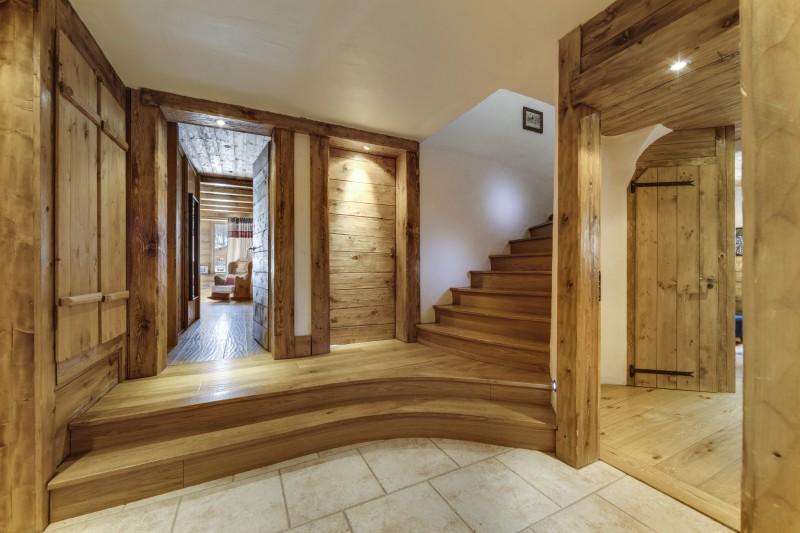 Val D'Isère Luxury Rental Chalet Vonsanite Corridor