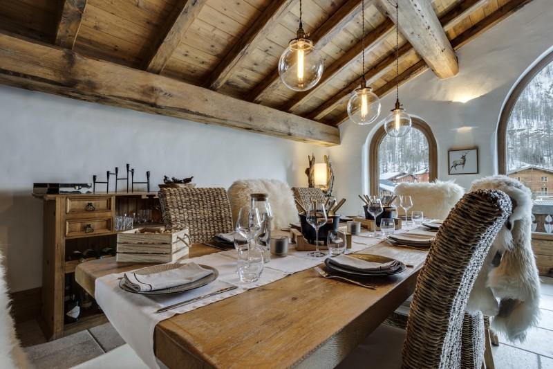 Val D'Isère Luxury Rental Chalet Vonsanite Dining Room 2