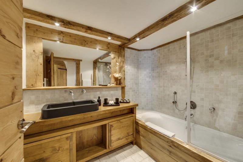 Val D'Isère Luxury Rental Chalet Vonsanite Bathroom 4