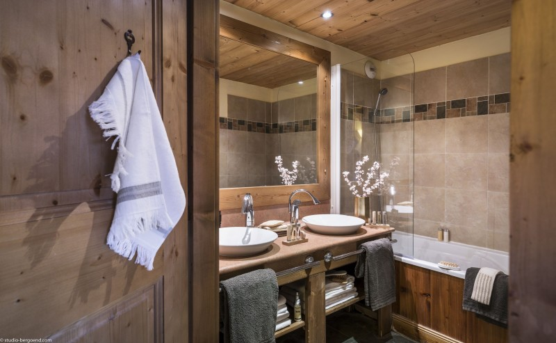 Val Thorens Rental Appartment Luxury Volcanite Bathroom