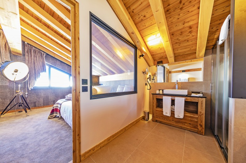 Val Thorens Luxury Rental Chalet Olidan Bedroom 1