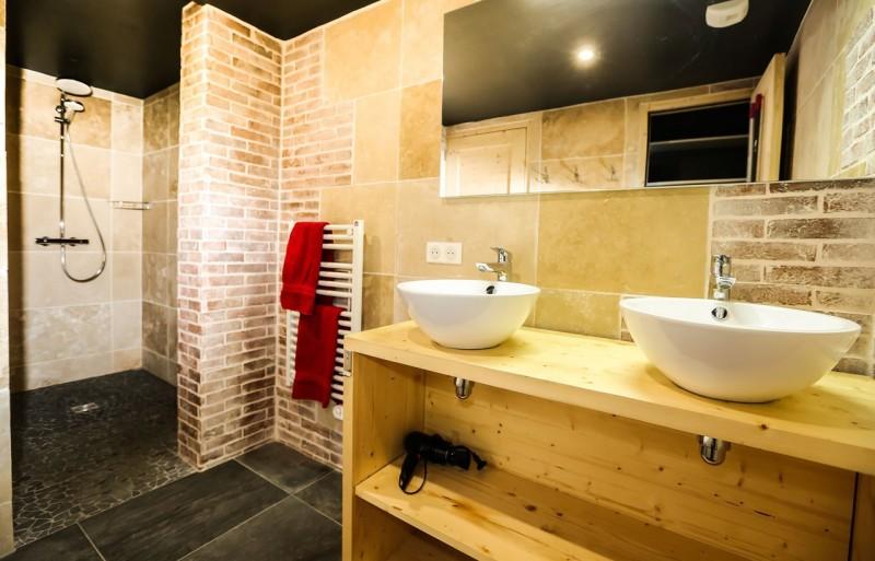 Valloire Luxury Rental Chalet Buglose Shower Room